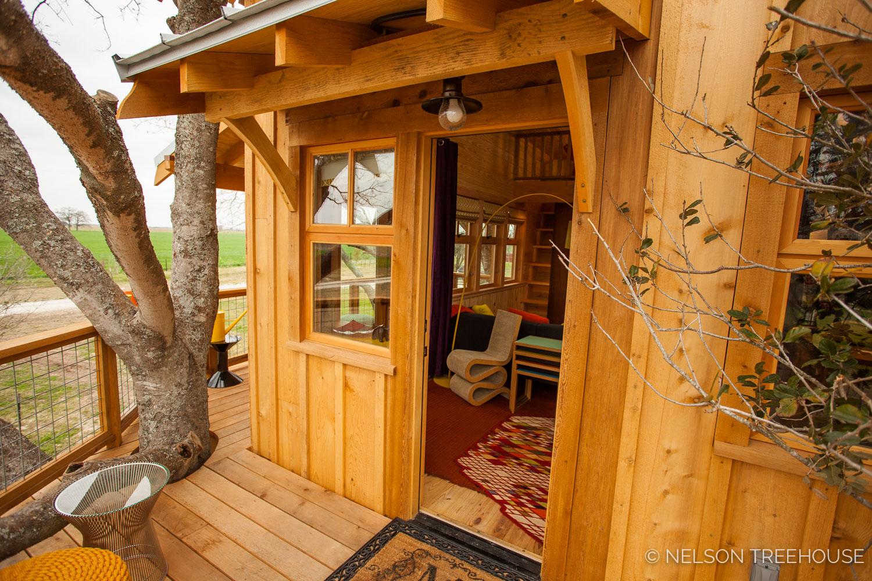 Nelson Treehouse - Twenty-Ton Texas Treehouse entrance