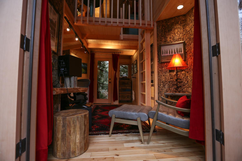 Nelson treehouse recording studio seating area