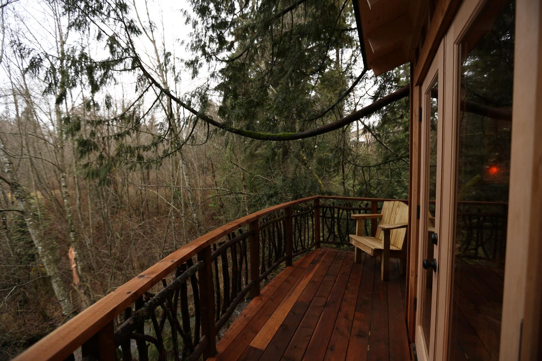 Nelson treehouse recording studio deck